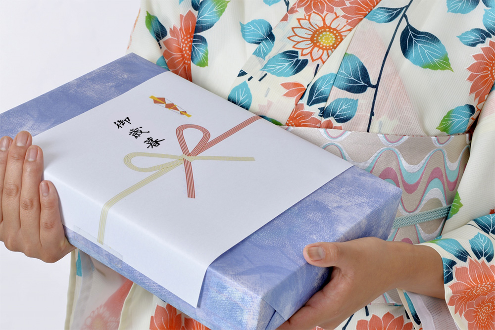 お歳暮でおすすめのご当地お菓子は?愛知県出身の上司や親戚に喜ばれる贈り物